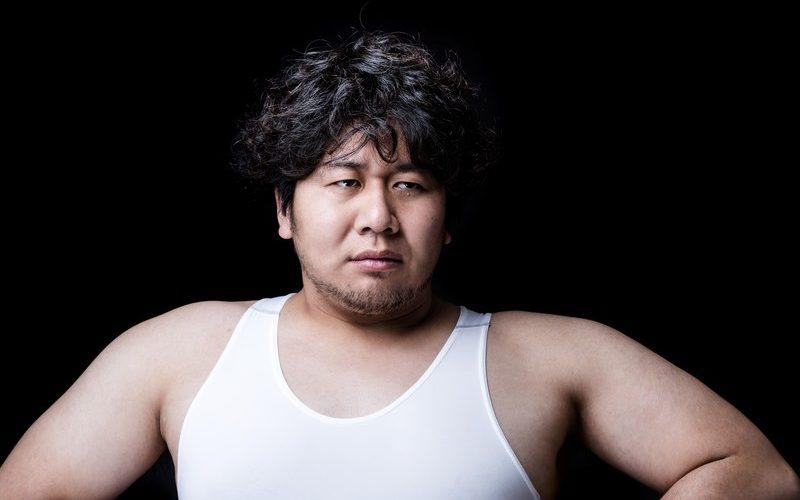 首の太い発達障害当事者の男性