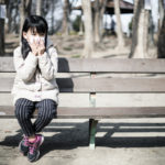 コロナ肺炎に苦しむ女性