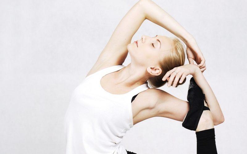 身体操作法を学ぶ発達障害当事者の女性